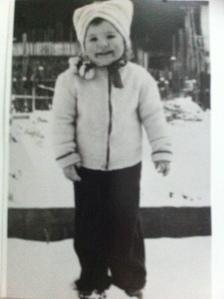 Meine Schwester Christa mit 4 Jahren
